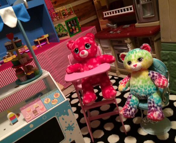 SPGFAN Gift Guide: The Cutest, Sweetest Bakery, Ice Cream Shop, Tea Party, Candy Kitchen Playroom EVER!